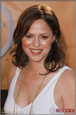 Jorja Fox arriving at the 11th Annual Screen Actors Guild Awards