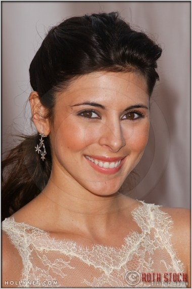 Jamie-Lynn Sigler arriving at the 11th Annual Screen Actors Guild Awards