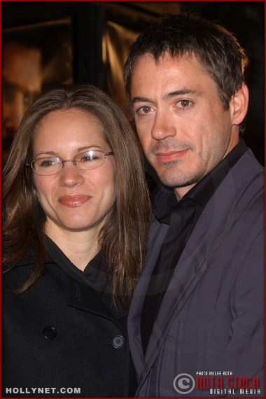 "(L-R) Actress Susan Levin with her fiance actor Robert Downey, Jr. attend the U.S. premiere of ""The Last Samurai"""