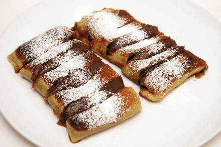 Fried Crepe with Jujube Paste Filling