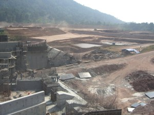 Construction near the regulating dam, November-2007. PHOTO: International Rivers
