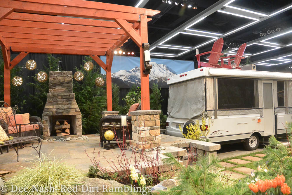 More display gardens from the NWFGS - Red Dirt Ramblings®