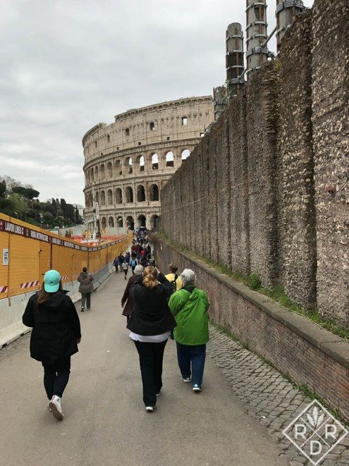 Walking to the Colosseum.