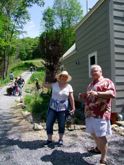Dee and Bill in Asheville, NC at the Garden Bloggers Fling. Photo taken by Gail Eichelberger.