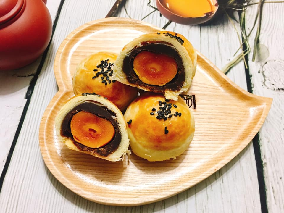 Cách làm bánh trung thu trứng muối vỏ ngàn lớp chuẩn vị Đài Loan