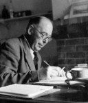 The Daily Writing Routine of C. S. Lewis