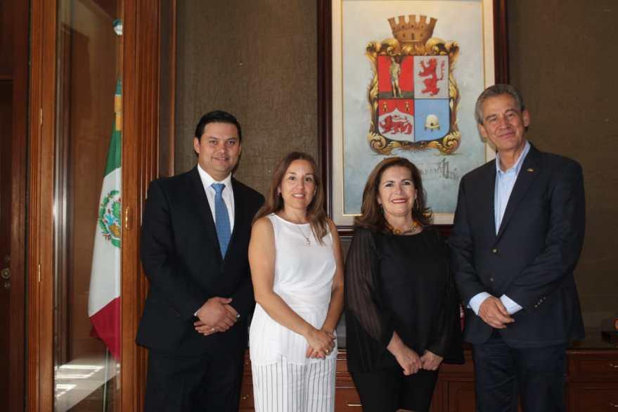 Raquel Ruiz, Concejala de Tarija, Bolivia, Síndico Christian Javier Cruz, Alcalde Hector Lopez Santillana, León, Guanajuato. Alianza generada por Red Gobierno