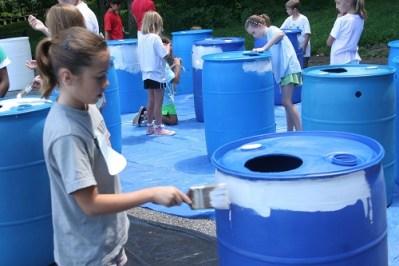 children make rain barrels in howard county