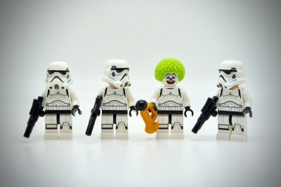 lego stormtroopers plus clown