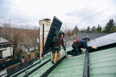 Renewable energy is creating work, but policymakers need to address job quality, training and location. Photo by Stephen Yang/The Solutions Project.