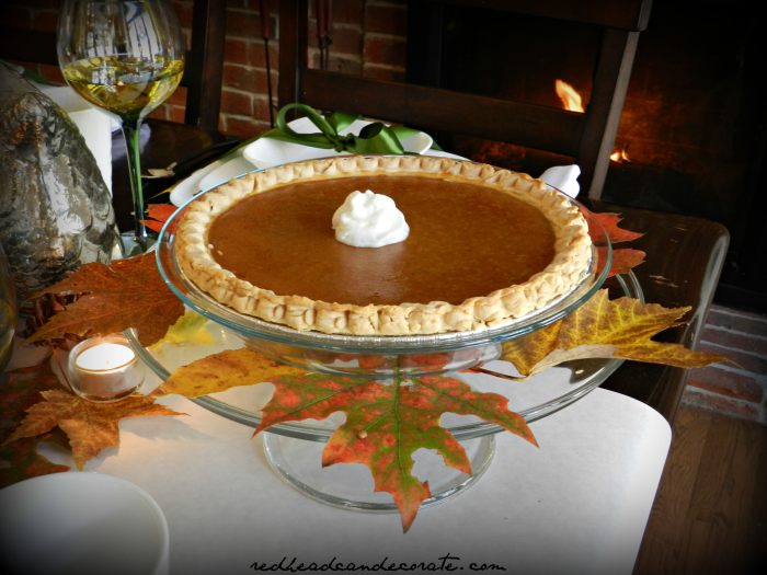 Decorate Your Pumpkin Pie Plate w: real Leaves