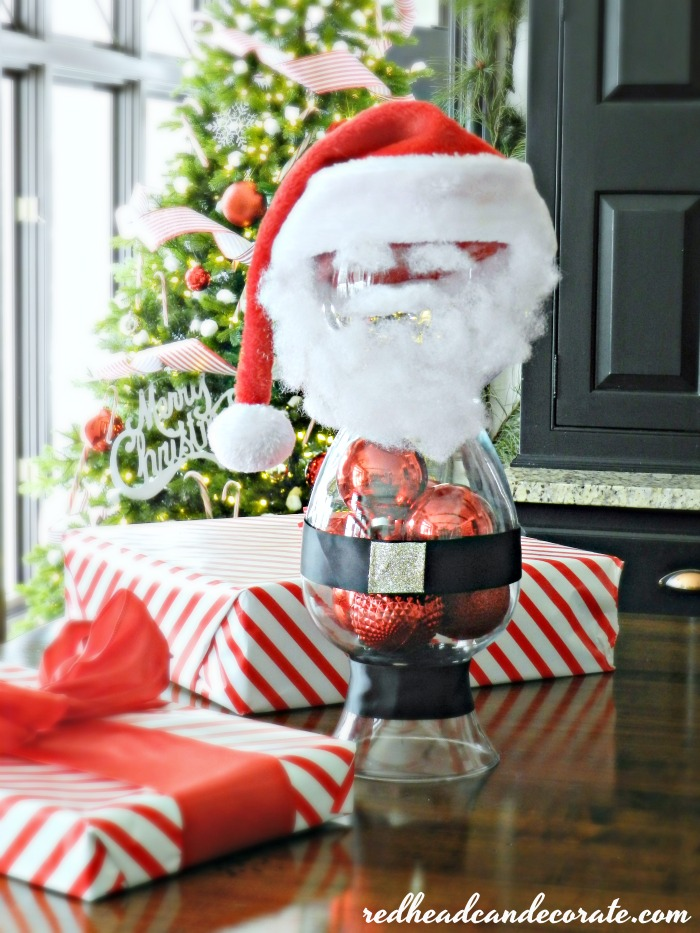 "This ""Upside Down Vase Santa Claus"" candy/cookie dish is pure genius! What a nice treat for the kiddos on Christmas."
