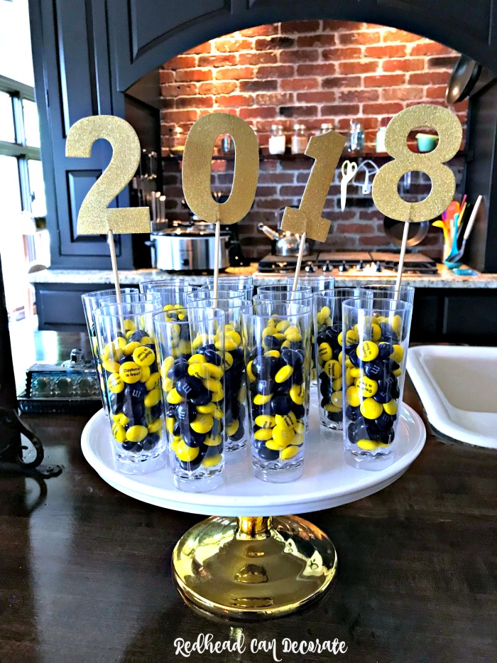 This Michigan Mom came up with the cutest Graduation Party Ideas, and she has some great tips on not over doing it!