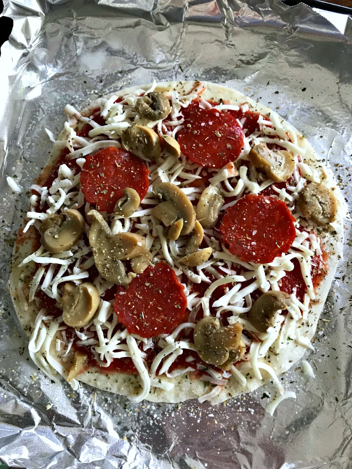 It's hard to believe that this 271 Calorie Pizza for one can actually help you lose weight! This 10 minute pizza recipe is included in this article.