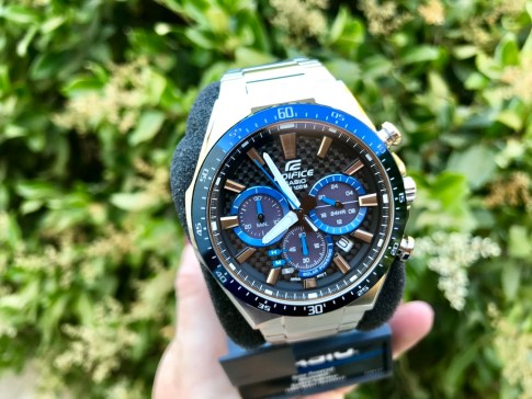 Casio Edifice Watch #casio #watch #gifts #holidaygiftguide #casio #ad