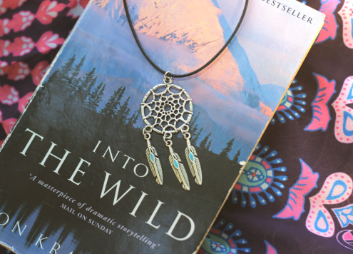Outfit Into the wild Book Dreamcatcher necklace