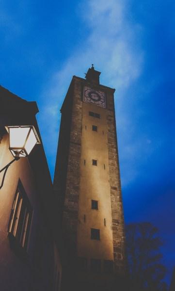 redheadventurer-liza-laboheme-rothenburg ob der tauber-travel-marktplatz-night-tour-nightwatchman