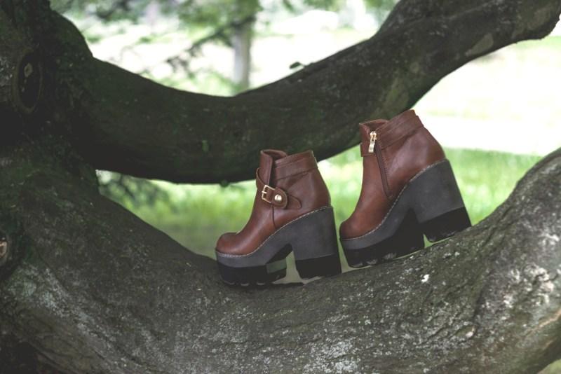 redheadventurer-liza-laboheme-fashion-style-essentials-boho-boots