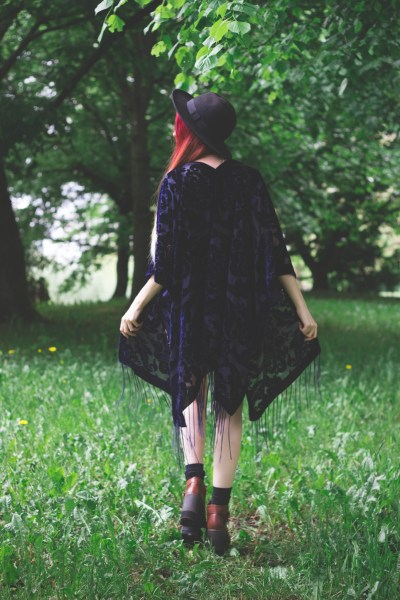 redheadventurer-liza-laboheme-fashion-style-essentials-boho-hippie-massa-kimono-2-3