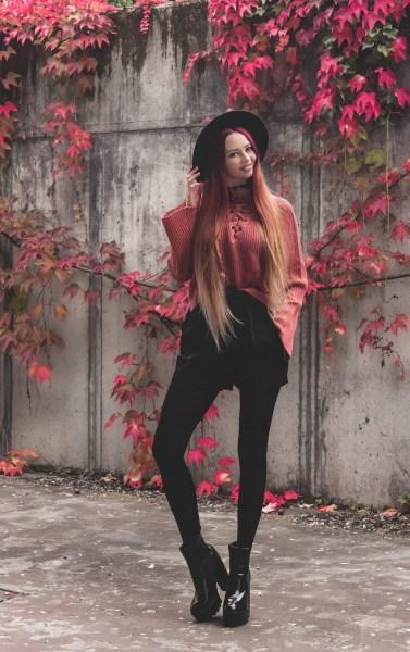 redheadventurer-liza-laboheme-fashion-outfit-coral-fall-4
