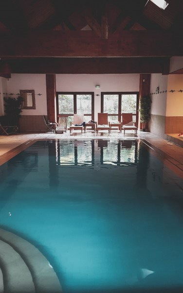 redheadventurer-liza-laboheme-travel-alsace-france-rouffach-colmar-strasbourg-hostellerie-ville-de-lyon-pool