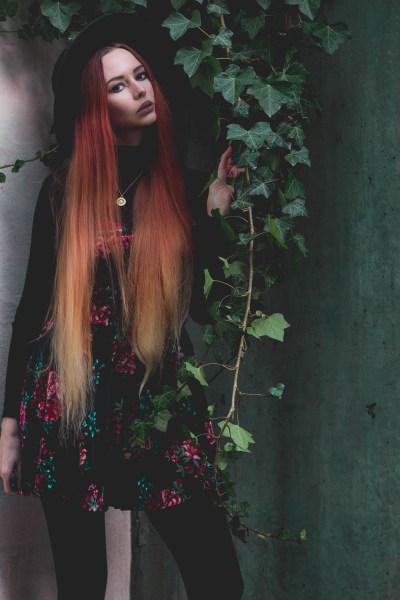 redheadventurer-liza-laboheme-dark-romantic-outfit-velvet-roses (4)