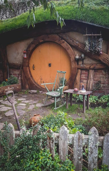 new-zealand-hamilton-hobbiton-lotr-travel-blog-redheadventurer-liza-laboheme (5)