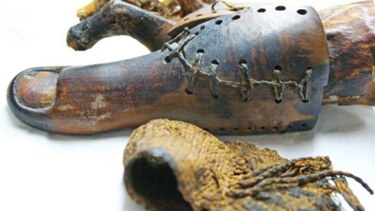 protesis dedo pie egipto
