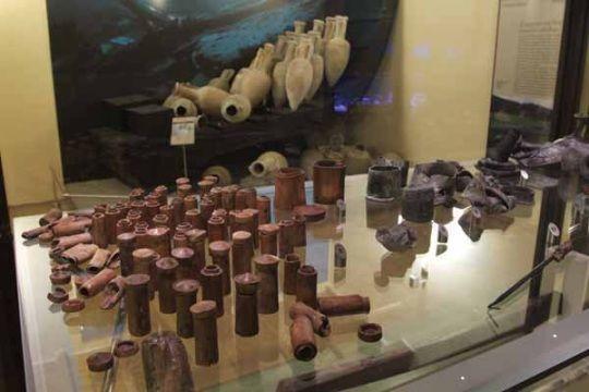 Cilindros medicinales encontrados en el naufragio
