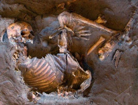 Esqueleto de la Edad de Piedra