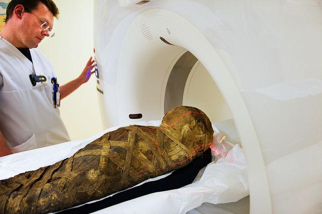 escaneo momia sueca
