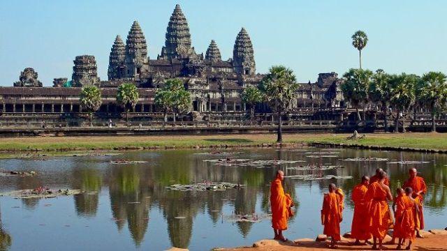 Angkor Wat y monjes budistas