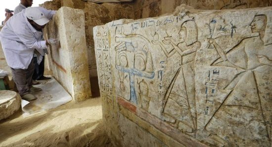 Tumba en Saqqara, sitio en donde se ha descubierto el Muro Blanco de la ciudad de Memphis.