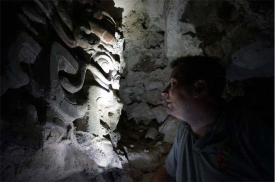 Tumba real maya de El Zotz. Crédito: University of Southern California