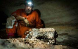foto cueva chichen itza