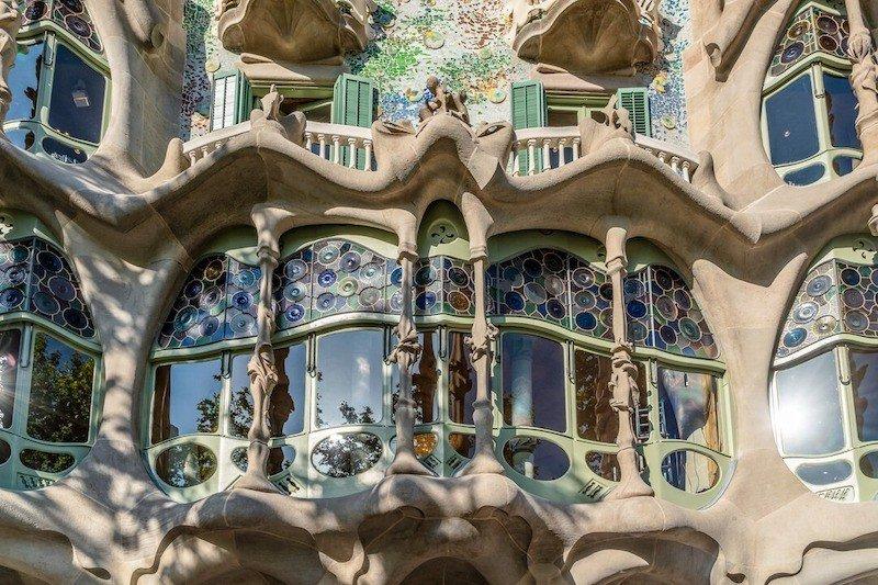 ventanales casa batllo