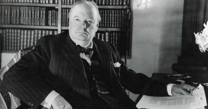 Winston Churchill lider britanico