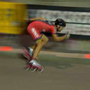 We loved watching the Inline Speed Skaters put on their exhibition run in Milano. These guys were flying! Their fastest lap was around 27mph average speed (43.5kph) Video: Cyclevox