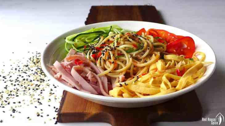 Chinese-style spaghetti salad (凉拌意面)