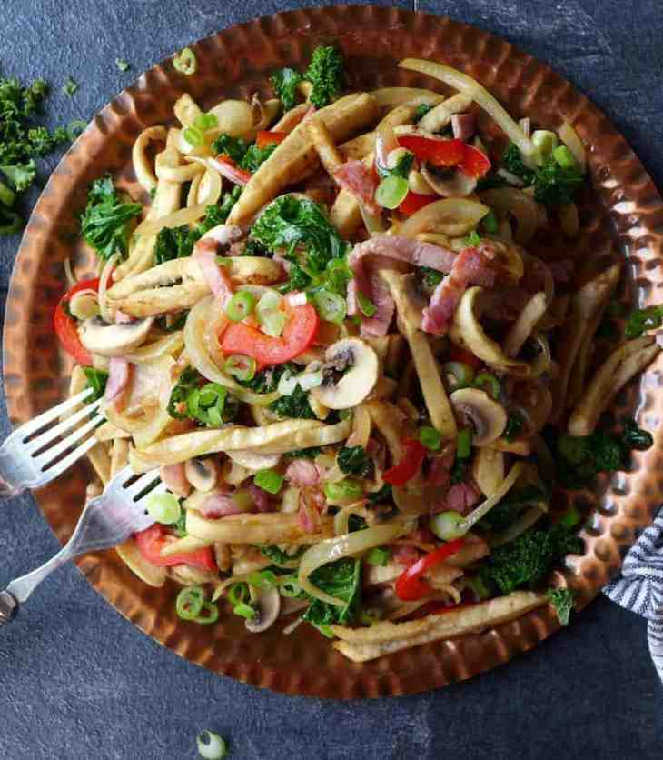 A one-bowl meal that uses leftover pita, Chinese-inspired pita bread stir-fry involves simple preparation and minimum washing-up. A fun dish to try!