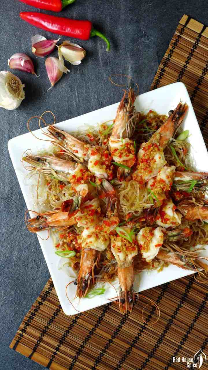 Steamed garlic prawns with vermicelli noodles