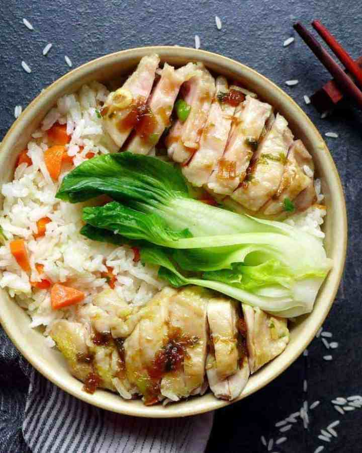 Inspired by the famous Hainan chicken rice, this one-pot chicken rice is very easy to prepare and packed with aroma and flavour. A great dish for sharing.