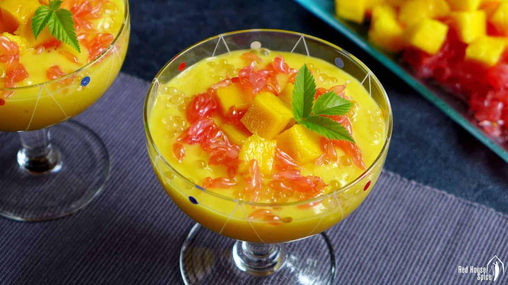 Mango sago with grapefruit (杨枝甘露)