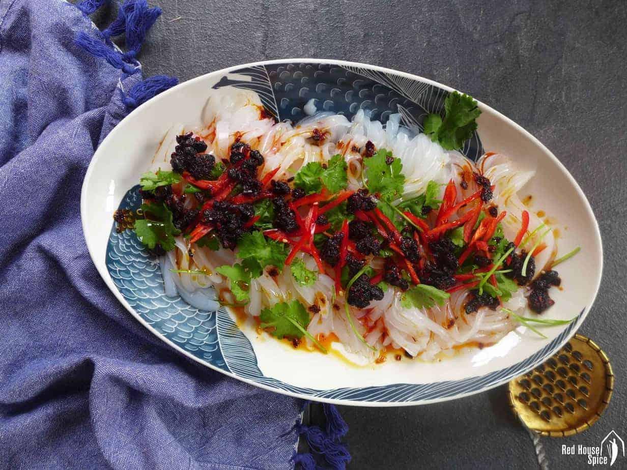 Mung bean jelly salad (Liangfen, 凉粉)