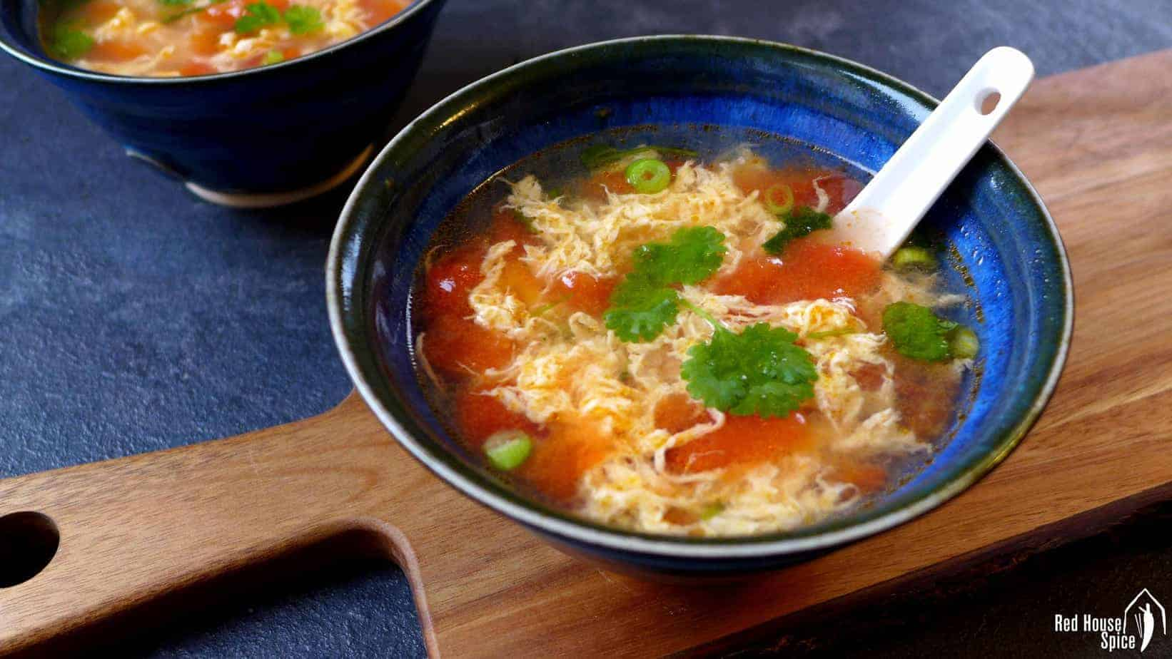 Egg drop soup with tomato (番茄蛋汤)