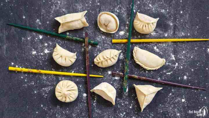 Nine dumplings in nine different patterns.