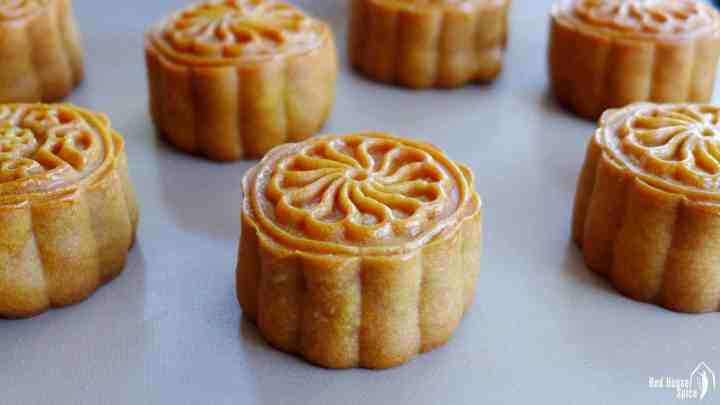 Cantonese mooncake with salted egg yolk & lotus paste