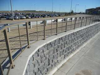 Redi-Rock Parking Structure Ramp Retaining Wall - Cobblestone