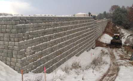 Redi-Rock Cobblestone Tall retaining wall