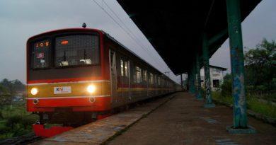 KRL Stasiun Pondok Rajeg